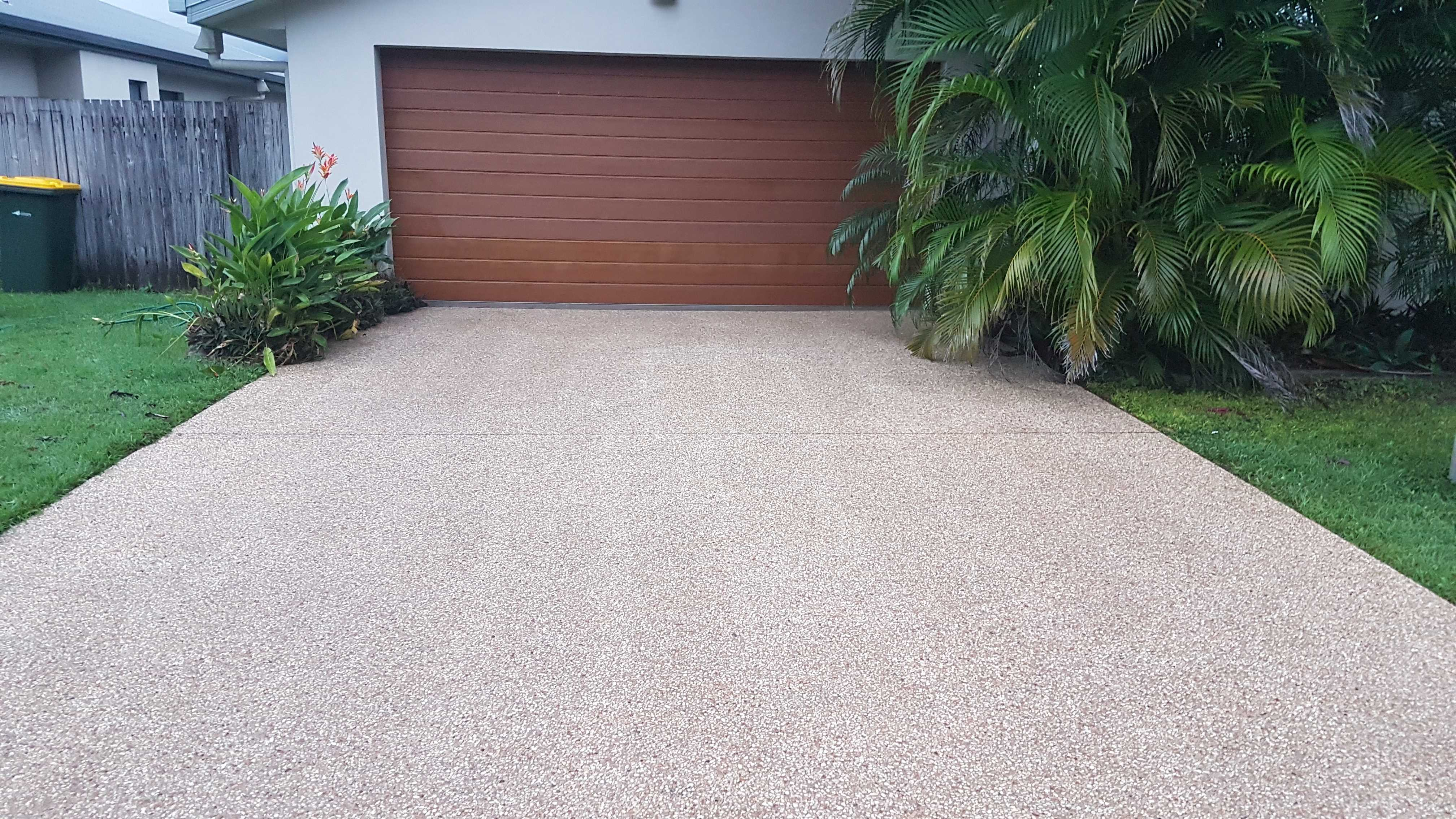 Stay Green Lawn Care - Pressure Washing (48)